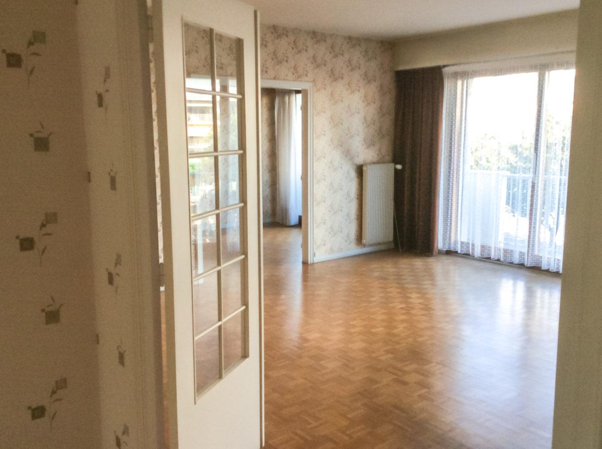 entrée appartement avant rénovation